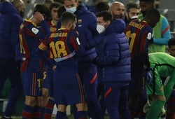 CĐV Barca phấn khích khi Messi làm thay vai trò của HLV Koeman