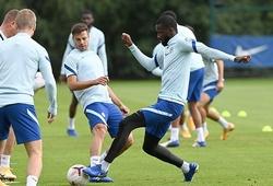 Tin bóng đá hôm nay mới nhất 26/1: Sao Chelsea đụng độ trên sân tập