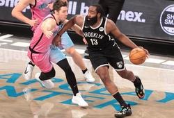 Kevin Durant và Kyrie Irving sa sút, James Harden ra tay giải cứu Nets