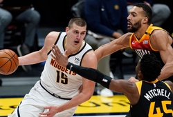 Career-high của Jokic chặn đứng chuỗi 11 trận bất bại của Utah Jazz