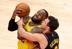 LA Lakers trầy da tróc vảy trước Atlanta Hawks