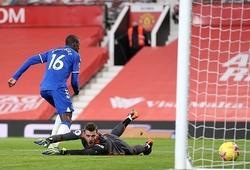 De Gea bị công kích gay gắt vì sai lầm khiến MU hòa Everton