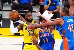 LeBron James chống lại tuổi già, cùng dàn kép phụ Lakers thắng OKC trong OT