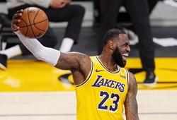 """LeBron James tiếp tục """"clutch"""" đỉnh, Lakers chết hụt trước Oklahoma City Thunder"""