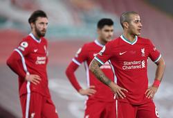 Liverpool bảo vệ chức vô địch tệ hơn MU và Chelsea