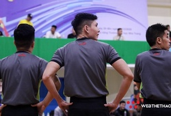 Hài hước lương trọng tài bóng rổ Việt Nam không đủ để mua... một đôi tất