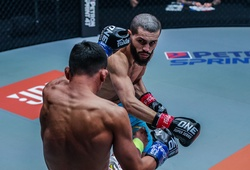 """Kết quả ONE Championship: Ilias Ennahachi bảo vệ đai khó khăn trước """"Máy đá"""" Superlek"""
