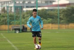 Quang Hải vẫn tập riêng, bỏ ngỏ khả năng ra sân trận gặp Hải Phòng