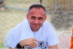 """HLV Petrovic có thêm """"cánh tay đắc lực"""" trước ngày tái xuất V.League"""