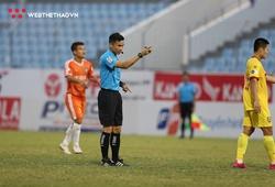"""Những cú """"phốt"""" của trọng tài Vũ Phúc Hoan khiến V.League bẽ mặt"""