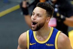 Sinh nhật 33 tuổi ghi 32 điểm, Stephen Curry cùng Warriors thắng sốc đội đầu bảng Utah Jazz