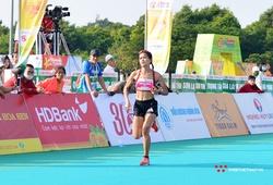 """Hồng Lệ lấy lại vị trí """"nữ hoàng marathon"""" trên đường chạy Pleiku"""