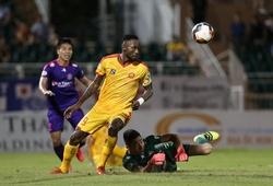 Đạp thủ môn Tuấn Mạnh, Hoàng Vũ Samson bị cấm thi đấu 3 trận