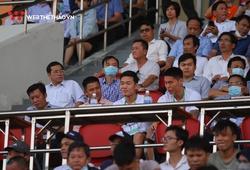 Gần ngày ăn hỏi, Xuân Trường đến sân Hoà Xuân xem HAGL thi đấu
