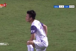 """Quang Hải gây sốt với màn ăn mừng kiểu """"quay xe"""""""