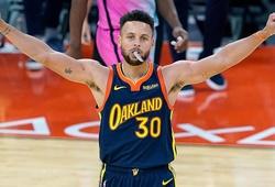 """Tiếp tục """"tháng tư rực lửa"""", Stephen Curry quân bình kỷ lục của Kobe Bryant và Michael Jordan"""