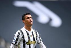 Fan nhí bị phạt khi vượt gần 400 km để xin chữ ký của Ronaldo