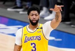 """Anthony Davis bực tức vì tái xuất """"xịt"""", LeBron James lập tức trấn an"""