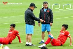 """Thầy Park """"răn đe"""" Bùi Tiến Dũng, liên tục nhắc nhở các tuyển thủ Việt Nam"""