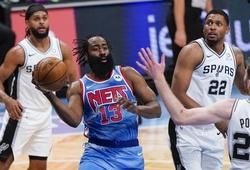 Thiếu Irving vì chiếc cùi chỏ, Nets đón chào màn trở lại ấn tượng của Harden