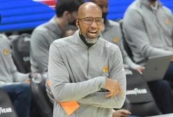 Thuyền trưởng Phoenix Suns được đồng nghiệp công nhận là HLV hay nhất NBA