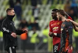 HLV Solskjaer giải thích lý do MU không thay thủ môn bắt luân lưu