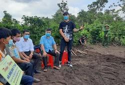 Boxer Trương Đình Hoàng tham gia hoạt động từ thiện nhân ngày Quốc tế thiếu nhi