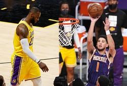Không chống được 47 điểm từ Devin Booker, LeBron và LA Lakers bị loại khỏi Playoffs 2021