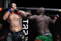 Jairzinho Rozenstruik knockout Augusto Sakai ở giây cuối cùng hiệp 1