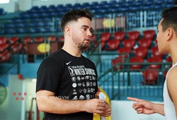 HLV Ryan Marchand cập bến đội bóng mới sau khi chia tay VBA, đối đầu HLV cũ của Saigon Heat