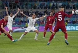 Tại sao bóng chạm tay 2 lần mà Italia không được hưởng penalty?