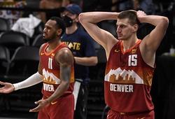 """Nikola Jokic bị truất quyền thi đấu vì lỗi thô bạo, """"giương cờ trắng"""" và nhận sweep từ Phoenix Suns"""