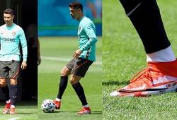 Cristiano Ronaldo diện giày thửa mới toanh trước ngày ra quân EURO 2021