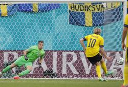 Forsberg sút phạt đền ấn tượng giúp Thụy Điển thắng Slovakia