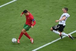Ronaldo ghi bàn với lưới Đức với tốc độ như tuổi đôi mươi