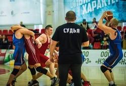 Bóng rổ kết hợp đấu vật, môn thể thao cực dị của nước Nga - Rugball