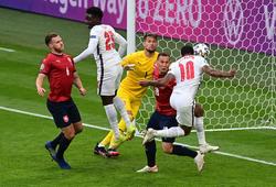 Sterling đạt thành tích ghi bàn đặc biệt tại EURO cho tuyển Anh