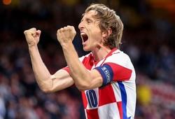 Nhật ký EURO 2021 ngày 23/6: Modric vẽ siêu phẩm đưa Croatia đi tiếp