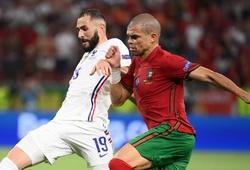Phớt lờ Pepe, thủ môn BĐN bỏ lỡ cơ hội cản phá cú sút 11m của Benzema