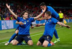 Mancini cao tay thay người hiệu quả giúp Italia kết liễu Áo