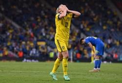 EURO 2021 gây bất ngờ về số lần bóng chạm cột dọc và xà ngang