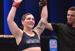 """Nữ võ sĩ UFC mở quỹ từ thiện để """"lo chi phí tập luyện và ăn uống"""""""