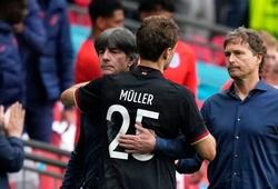 HLV Joachim Loew tha thứ cho Thomas Muller sau pha bỏ lỡ không tưởng
