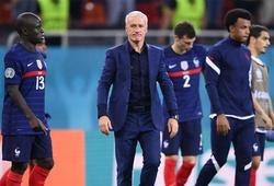 Chiếc ghế của HLV Deschamps lung lay sau thất bại của tuyển Pháp