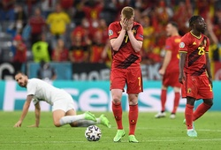 De Bruyne nén đau ra sân trước tuyển Italia