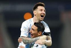 Messi lập siêu phẩm sút phạt, ấn định tấm vé bán kết Copa America cho Argentina