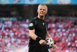 Choáng với gia sản khổng lồ của trọng tài chung kết EURO 2021