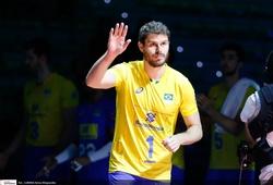 Vượt ồn ào quá khứ, mỹ nam bóng chuyền cầm cờ Brazil tại Lễ khai mạc Olympic Tokyo