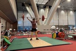 """Lực sĩ Hoàng Thị Duyên gạt cơn đau, nuốt khối lượng """"khủng"""" nhắm huy chương Olympic"""
