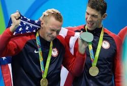 Caeleb Dressel san bằng kỷ lục huy chương ở một kỳ Olympic với Michael Phelps
